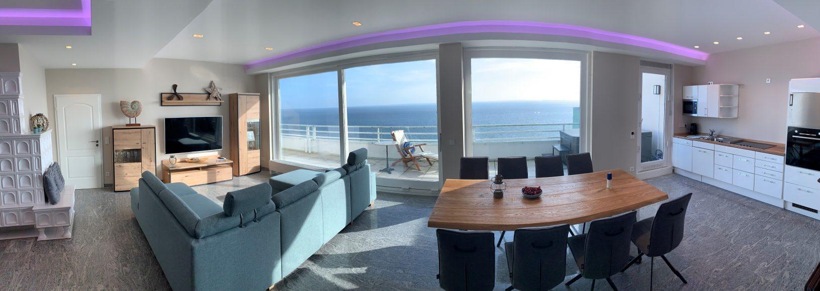 Panorama Wohn- und Esszimmer mit Küche